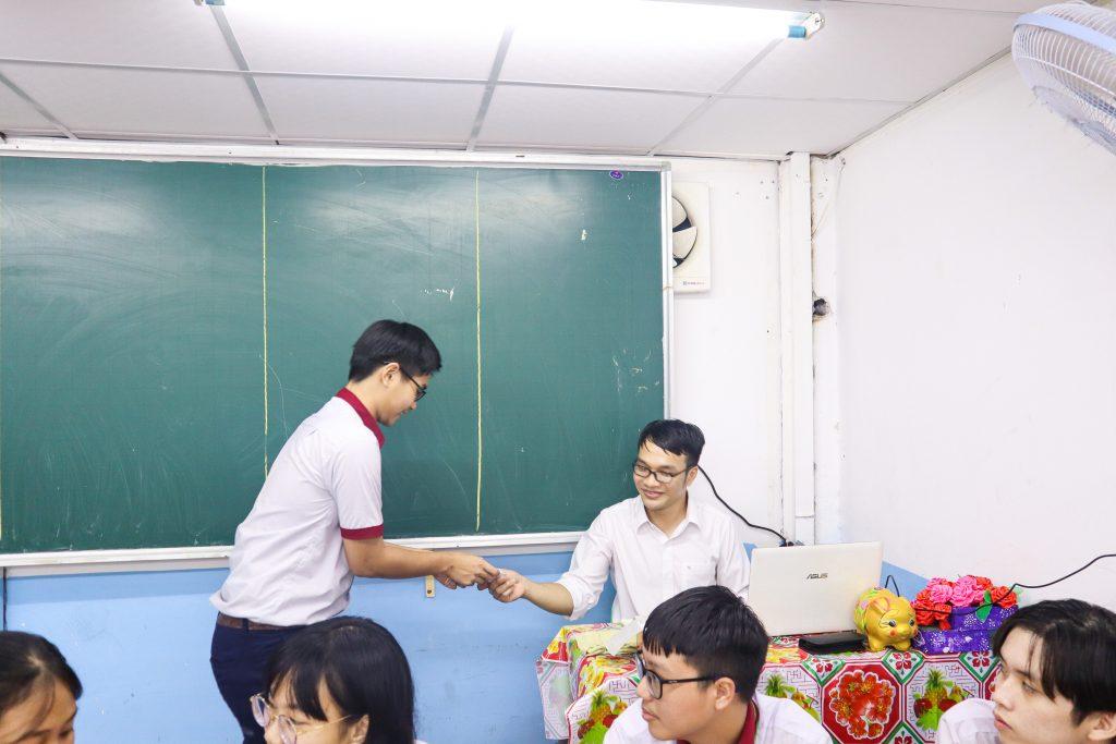 Học sinh Nhân Việt nắm bắt kiến thức Tiếng anh vững chắc